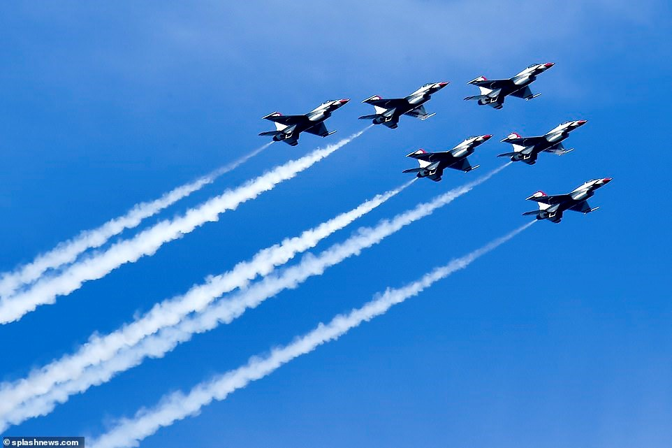 Air Force Thunderbirds join Red Arrows for aerial parade in New ...