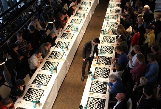 Carlsen's 70-board simul in Hamburg | ChessBase